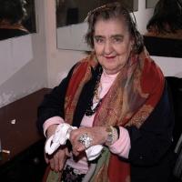 09/01/2006 Milano La poetessa Alda Merini nel camerino durante una serata al teatro Filodrammatici.