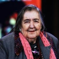 """21/04/2009 La poetessa Alda Merini ospite nella trasmissione """" Chiambretti night """"."""