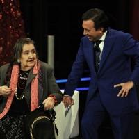 """21/04/2009 La poetessa Alda Merini ospite di Piero Chiambretti nella sua trasmissione """" Chiambretti night """"."""