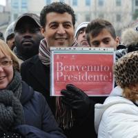 Foto Nicoloro G. 07/01/2011 Reggio Emilia Primo appuntamento ufficiale per i 150 anni dell' Unita' d' Italia alla presenza del capo dello Stato. nella foto Un cartello davanti al teatro Valli