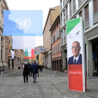 Foto Nicoloro G. 07/01/2011 Reggio Emilia Primo appuntamento ufficiale per i 150 anni dell' Unita' d' Italia alla presenza del capo dello Stato. nella foto Manifesti e bandiere per la visita del Capo dello Stato