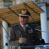 Foto Nicoloro G.   10/05/2015  Ravenna    Diciannovesimo raduno nazionale dei Marinai d' Italia. nella foto il generale Claudio Graziani durante il suo intervento.