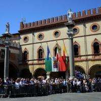 Foto Nicoloro G.   10/05/2015  Ravenna    Diciannovesimo raduno nazionale dei Marinai d' Italia. nella foto folla assiepata per assistere alla sfilata.