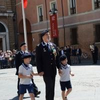 Foto Nicoloro G.  10/05/2015  Ravenna    Diciannovesimo raduno nazionale dei Marinai d' Italia. nella foto il presidente ANMI Paolo Pagnottella sfila con i due nipotini.