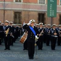 Foto Nicoloro G.   10/05/2015  Ravenna    Diciannovesimo raduno nazionale dei Marinai d' Italia. nella foto la banda della Marina Militare diretta dal maestro tenente di vascello Gianluca Cantarini.