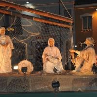 Foto Nicoloro G. 23/12/2010 Cesenatico (FC) Tradizionale presepe sulle barche, tipiche della marineria locale, ormeggiate nel porto canale di Cesenatico. nella foto La barca della Natività