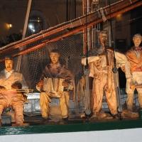 Foto Nicoloro G. 23/12/2010 Cesenatico (FC) Tradizionale presepe sulle barche, tipiche della marineria locale, ormeggiate nel porto canale di Cesenatico. nella foto La barca dei musicanti