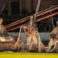 Foto Nicoloro G. 23/12/2010 Cesenatico (FC) Tradizionale presepe sulle barche, tipiche della marineria locale, ormeggiate nel porto canale di Cesenatico. nella foto La barca dei pescatori
