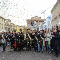 Foto Nicoloro G. 25/11/2017 Rimini In occasione della ' Giornata mondiale contro la violenza sulle donne ' un corteo si e' snodato per le vie del centro della cittadina romagnola per poi concludersi tra musica e canti nella centralissima piazza Cavour. nella foto un gruppetto di sindache dei comuni limitrofi hanno partecipato alla manifestazione.