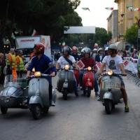 Foto Nicoloro G.  14/05/2015  Rimini     Arriva a Rimini la prima tappa della 33° edizione della 1000 Miglia. La storica competizione partita da Brescia si snoda su un percorso di 1760 chilometri con la partecipazione di 438 vetture e 42 Nazioni. nella foto sfilano per l' occasione vecchie moto d' epoca.