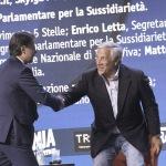 Foto Nicoloro G.   24/08/2021   Rimini   Quinta giornata della 42° edizione del Meeting di Comunione e Liberazione che quest' anno ha per titolo ' Il coraggio di dire io '. nella foto Giuseppe Conte al suo arrivo sul palco saluta Antonio Tajani.