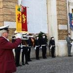 Foto Nicoloro G.   25/04/2020   Ravenna   In una piazza del Popolo praticamente deserta si e' svolta la cerimonia di commemorazione del 75° anniversario del 25 Aprile. nella foto il suona di una tromba ha accompagnato la cerimonia.
