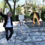 Foto Nicoloro G.   25/04/2020    Ravenna  Nella giornata del 75° anniversario della Liberazione privati cittadini si sono incontrati davanti al monumento di partigiani uccisi dai nazi-fascisti per una personale commemorazione. nella foto un momento della commemorazione.