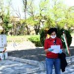 25/04/2020    Ravenna  Nella giornata del 75° anniversario della Liberazione privati cittadini si sono incontrati davanti al monumento di partigiani uccisi dai nazi-fascisti per una personale commemorazione. nella foto un momento della commemorazione.