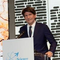 Foto Nicoloro G. 17/11/2017 Milano 9° edizione di 'Science for Peace ', Conferenza mondiale dal titolo ' Post-Verita''. nella foto Gianmario Verona, rettore della Bocconi.