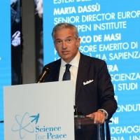 Foto Nicoloro G. 17/11/2017 Milano 9° edizione di 'Science for Peace ', Conferenza mondiale dal titolo ' Post-Verita''. nella foto Paolo Veronesi, presidente della ' Fondazione U. Veronesi '.