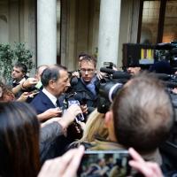 Foto Nicoloro G. 10/11/2016 Milano Allestita nella sala del Comune e aperta al pubblico la camera ardente per l' oncologo Umberto Veronesi. nella foto il sindaco Giuseppe Sala risponde ai giornalisti.