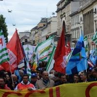 Foto Nicoloro G. 01/05/2016 Manifestazione con corteo per la ricorrenza del I° Maggio. nella foto lungo il corteo.