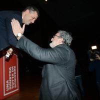 Foto Nicoloro G. 18/02/2017   Rimini   Seconda giornata del Congresso fondativo di Sinistra Italiana. nella foto Michele Emiliano va a salutare Arturo Scotto durante l' intervento di quest' ultimo.