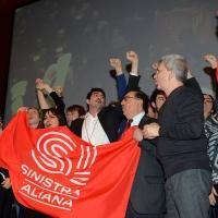 Foto Nicoloro G.  19/02/2017   Rimini   Terza giornata conclusiva del Congresso fondativo di Sinistra Italiana. nella foto al centro Nicola Fratoianni, Fabio Mussi e Nichi Vendola intonano ' Bella Ciao '.