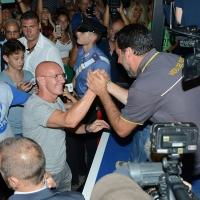 Foto Nicoloro . 04/08/2018 Cervia ( Ravenna ) Festa della Lega Romagna. nella foto il ministro Matteo Salvini saluta l' ex Ct della Nazionale di calcio Arrigo Sacchi.