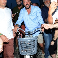 Foto Nicoloro G. 29/07/2017 Cervia ( Ravenna ) Comizio del segretario federale della Lega Nord alla Festa Nazionale Lega Nord Romagna. nella foto Matteo Salvini al suo arrivo in bicicletta.