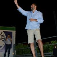 Foto Nicoloro G. 29/07/2017 Cervia ( Ravenna ) Comizio del segretario federale della Lega Nord alla Festa Nazionale Lega Nord Romagna. nella foto Matteo Salvini sul palco si fa un selfie davanti alla platea di spettatori.