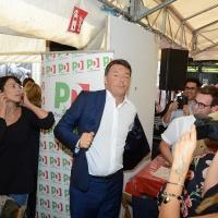 Foto Nicoloro G. 03/09/2017 Ravenna Il segretario del PD interviene alla Festa dell' Unita' e pranza con alcune centinaia di persone. nella foto Matteo Renzi al tavolo dove pranzera'.