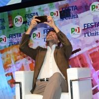 Foto Nicoloro G. 05/09/2018 Ravenna Continua la Festa Nazionale de l' Unita'. nella foto l' ex ministro Dario Franceschini mentre fotografa la plate che assiste al suo intervento alla Festa.