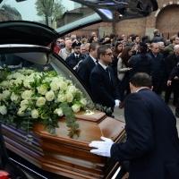 Foto Nicoloro G. 05/04/2016 Milano Si sono svolti nella Basilica di Sant' Ambrogio i funerali del campione di calcio Cesare Maldini. nella foto il feretro lascia la Basilica di Sant' Ambrogio dopo la cerimonia funebre.