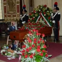 Foto Nicoloro G. 11/11/2016 Milano Nella sala Alessi di palazzo Marino si e' svolto in forma laica il funerale dell' oncologo Umberto Veronesi. nella foto la bara coperta di fiori.