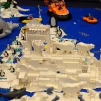 Foto Nicoloro G. 16/11/2018 Ravenna Inaugurato il ' Ravenna Brick Festival ', mostra di collezioni ed opere originali realizzate con i mattoncini LEGO. Nella citta' famosa per i suoi mosaici si e' voluto accostare i moderni mattoncini della LEGO alle antiche tessere dei mosaici nel comune concetto di assemblaggio che le due creazioni utilizzano. L' intera esposizione si articola in diversi temi come Star Wars, Pianeta Artico, Architetture, La storia di Batman. nella foto creazioni ispirate al Pianeta Artico.