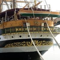 Foto Nicoloro G. 15/10/2018 Ravenna E' ormeggiata nel porto di Ravenna la Nave Scuola ' A. Vespucci ' che ha da poco concluso la Campagna d' istruzione 2018 che l' ha portata, per la prima volta in 87 anni di vita, all' attraversamento del Circolo Polare Artico. nella foto la poppa della nave.