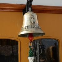 Foto Nicoloro G. 15/10/2018 Ravenna E' ormeggiata nel porto di Ravenna la Nave Scuola ' A. Vespucci ' che ha da poco concluso la Campagna d' istruzione 2018 che l' ha portata, per la prima volta in 87 anni di vita, all' attraversamento del Circolo Polare Artico. nella foto una delle campane di bordo.