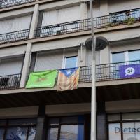 Foto Nicoloro G. 12/10/2017 Barcellona Manifestazione con corteo degli unionisti per l' unita' della Spagna contro il progetto dell' indipendenza della Catalogna. nella foto molti balconi espongono bandiere e simboli degli indipendentisti.
