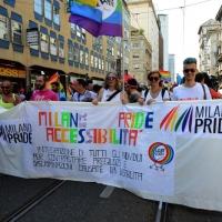 Foto Nicoloro G. 25/06/2016 Milano Manifestazione del Gay Pride con corteo e interventi dal palco. nella foto lo striscione lungo il corteo del gruppo di sordomuti.