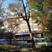Foto Nicoloro G. 29/10/2016 Marina Romea ( Ravenna ) Manifestazione della Lega Nord per protestare contro l' accoglienza di 26 profughi in una struttura alberghiera in questa localita' alle porte di Ravenna. nella foto l' hotel Solaria dove sono momentaneamente ospitati i 26 profughi.