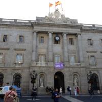 13/10/2017 Barcellona Il sindaco e la giunta comunale di Barcellona si raccolgono davanti al palazzo del Comune per un minuto di silenzio per una donna uccisa dal marito. nella foto il palazzo sede del Comune di Barcellona.