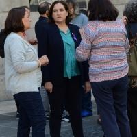 13/10/2017 Barcellona Il sindaco e la giunta comunale di Barcellona si raccolgono davanti al palazzo del Comune per un minuto di silenzio per una donna uccisa dal marito. nella foto il sindaco di Barcellona Ada Colau.