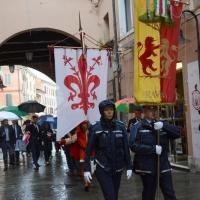 Foto Nicoloro G. 10/09/2017 Ravenna Celebrazione del 696° anniversario della morte del Sommo Poeta con l' intervento del sindaco di Firenze. nella foto gli stendardi di Ravenna e Firenze aprono il corteo.