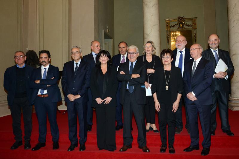 Foto Nicoloro G. 18/11/2018 Ravenna 47esima edizione del ' Premio Guidarello per il Giornalismo d' Autore '. nella foto di gruppo i partecipanti alla serata.