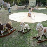 Foto Nicoloro G. 09/09/2017 Ravenna Primo raduno nazionale ' Cavalli a dondolo '. Un' iniziativa culturale e ludico-ricreativa nata per promuovere la cultura del gioco. nella foto alcuni cavalli a dondolo esposti e a disposizione dei bambini.