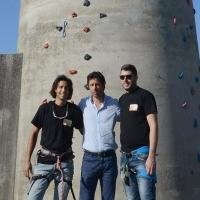 Foto Nicoloro G. 14/07/2017 Ravenna Inaugurata la torre di arrampicata che con i suoi 32 metri e' la piu' alta d' Italia. nella foto al centro, tra due soci dell' Associazione Sportiva RGF, l' assessore Roberto Fagnani che ha inaugurato la torre d' arrampicata.