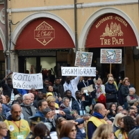 Foto Nicoloro G. 01/10/2017 Cesena ( Forli'-Cesena ) Visita di papa Francesco a Cesena. nella foto alcuni cartelli esposti in piazza.