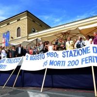 Foto Nicoloro G. 02/08/2016 Bologna, Trentaseiesimo anniversario della strage alla stazione di Bologna. nella foto Uno striscione davanti al palco.