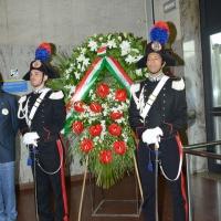Foto Nicoloro G. 02/08/2016 Bologna, Trentaseiesimo anniversario della strage alla stazione di Bologna. nella foto La corona del Presidente della Repubblica.