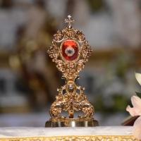 Foto Nicoloro G. 29/04/2014 Ravenna Cerimonia nella Basilica di Santa Maria in Porto per l' arrivo delle reliquie di Giovanni Paolo II. nella foto la teca contenente una ciocca di capelli del Santo Giovanni Paolo II.