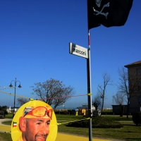"""Foto Nicoloro G.  14/02/2014   Cesenatico (FC)   Cerimonia di """"svelatura"""" della statua in bronzo di Marco Pantani a dieci anni dalla morte del campione di ciclismo. nella foto un ritratto del Pirata."""