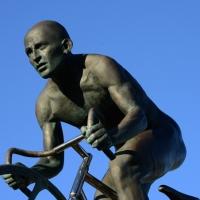 """Foto Nicoloro G.  14/02/2014   Cesenatico (FC)   Cerimonia di """"svelatura"""" della statua in bronzo di Marco Pantani a dieci anni dalla morte del campione di ciclismo. nella foto la statua di Marco Pantani."""