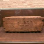 Foto Nicoloro G.   14/05/2021   Ravenna   Anteprima stampa dell' apertura del Museo Dante nell' ambito delle celebrazioni per il settimo centenario della morte del Sommo Poeta. nella foto la cassetta di legno d' abete che contenne le spoglie di Dante dal 1677 al 1865, anno del suo ritrovamento.